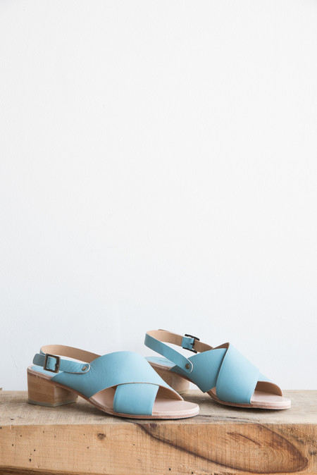 A Détacher Crane Sandal in Sky Blue Leather