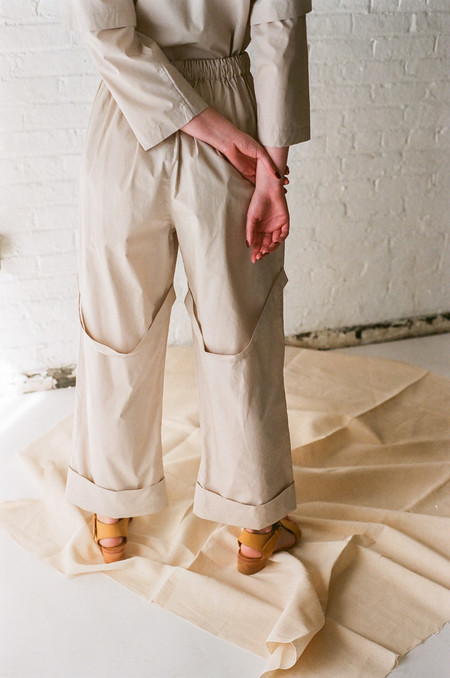Rowena Sartin Back Loop Cuff Pant with Side Pockets in Putty