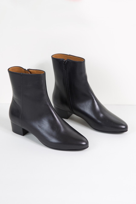 Anne Thomas Michele Boots