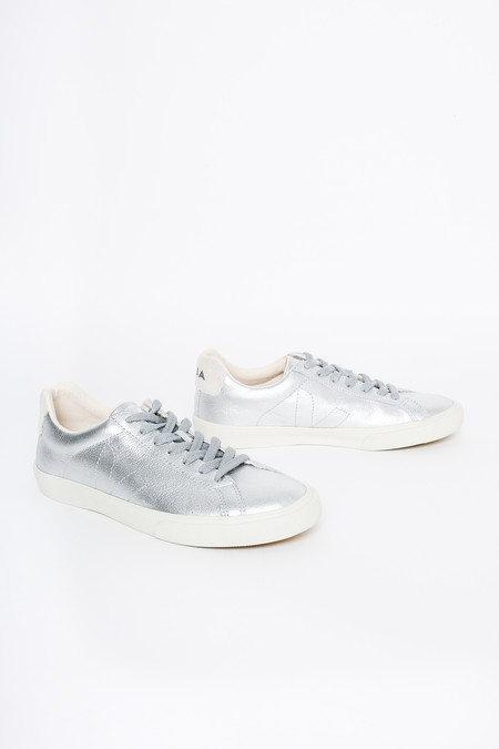 VEJA Esplar Low Top Sneaker In Silver Pierre