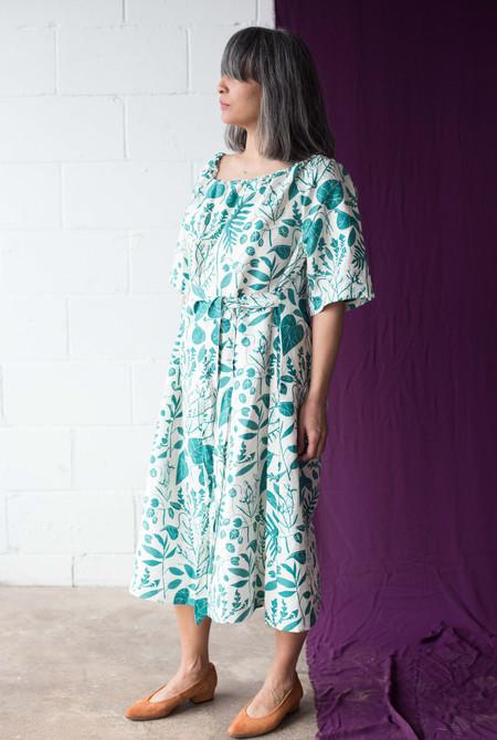 Sunja Link Raglan Sleeve Dress (Green Floral)