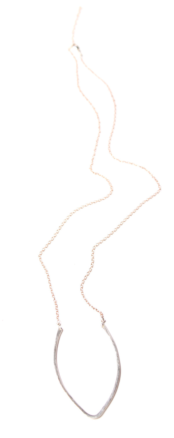 Sarah Dunn Curved V Bar and Rose Gold Chain Necklace