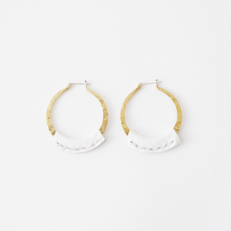Crescioni leather kiva earrings white