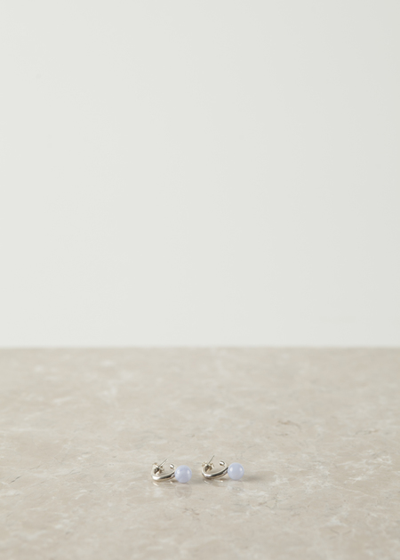 Quarry Small Asha Hoop - silver/blue lace agate