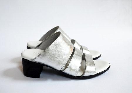 HOPP Three Strap Sandal