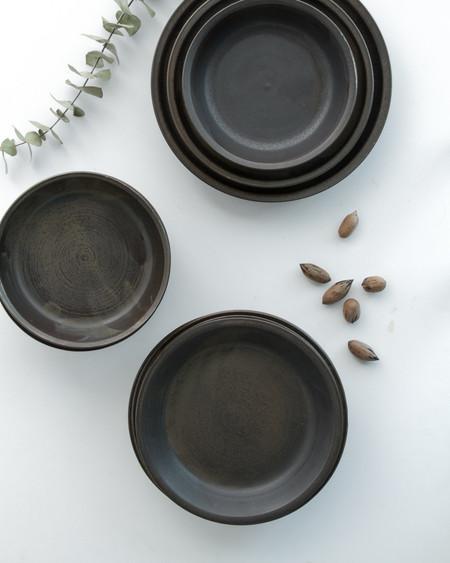 Kettle & Brine Cena Dinnerware in Black