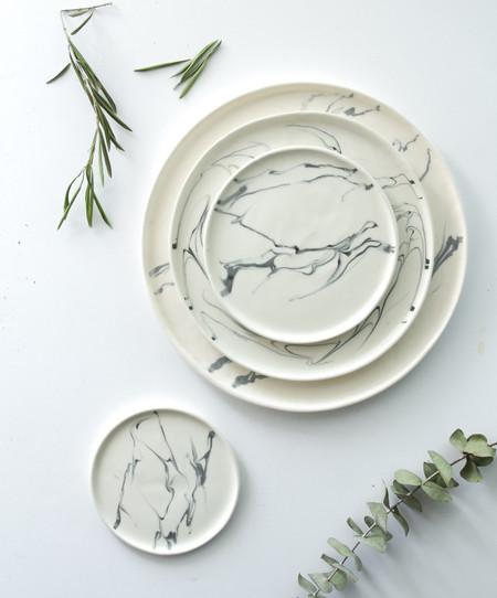 Eliana Marbled Porcelain Dinnerware