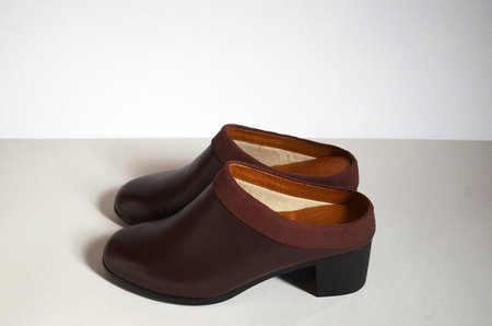 HOPP Collared Mule - Burgundy