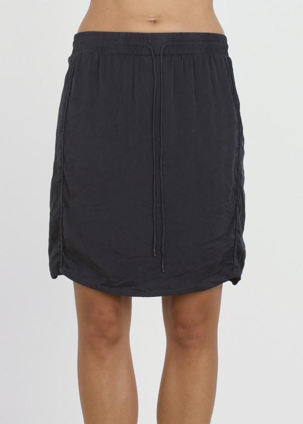 tug skirt - slate