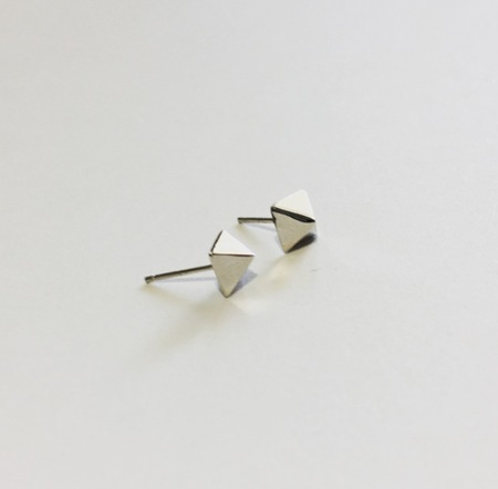 Machete Sterling Pyramid Studs