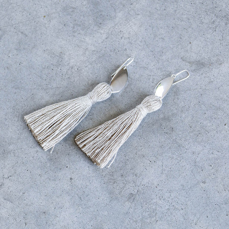 Erin Considine Medio Tassel Earring in Natural