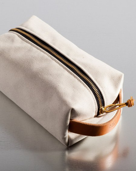 Joshu + Vela Large Dopp Kit - Natural
