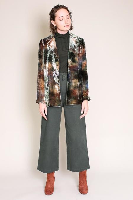 Raquel Allegra Classic velvet blazer in forest tie dye
