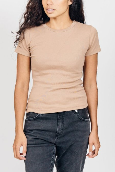 By Signe Basic Tee - Camel