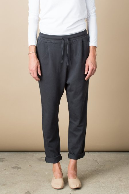 Kowtow Building Block Lounge Pant In Charcoal