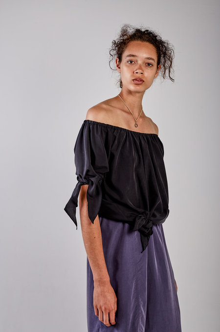 Kahle OFF SHOULDER HANDKERCHIEF BLOUSE