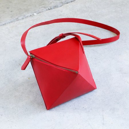 VereVerto Octa Bag in Cherry