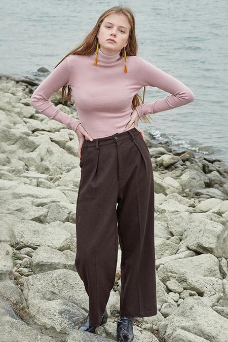 Sculp Cotton Turtleneck Top- Light Pink