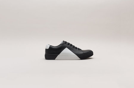THEY New York Triangle Low in Black/White