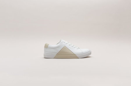 THEY New York Triangle Low in White/Beige