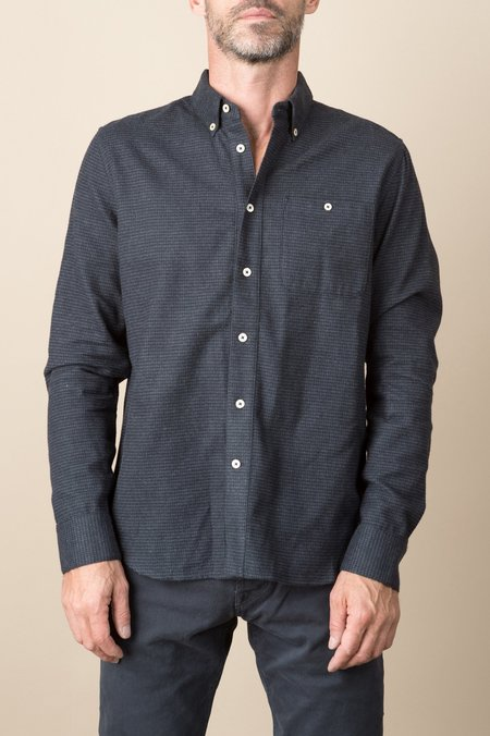 A Kind of Guise Goromo Shirt In Black Top
