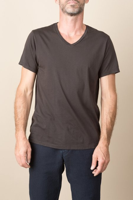 Save Khaki S/S Supima V-Neck Tee In Espresso