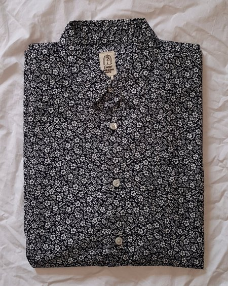KATO' Slim French Seam L/S Shirt Black Flower