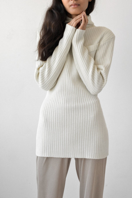 Bevza Hooded Sweater with Shoulder in Ivory