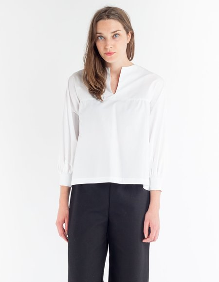Sunja Link V-Neck Top - White