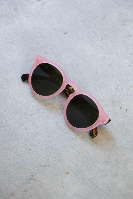 Illesteva Leonard Sunglasses in Pink Forest