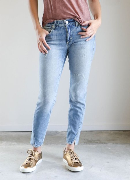 Amo Denim Twist Jeans in Sweet Cheeks