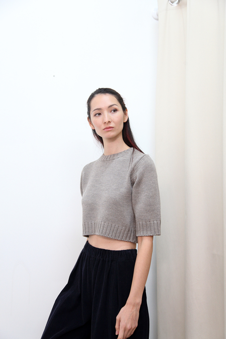 KORDAL Short Sleeve Sweater - Grey