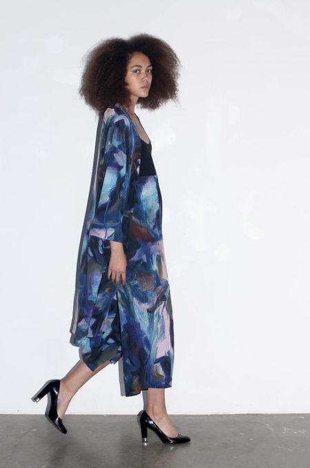 Strathcona Blue Painted Gesture Silk Kimono Robe