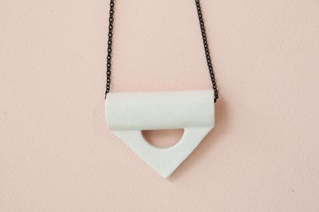 YYY collar triangle - peach white + emerald