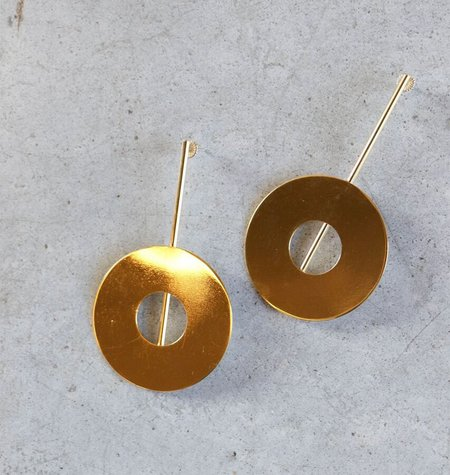 Modern Weaving Disc Earrings in Polished Brass