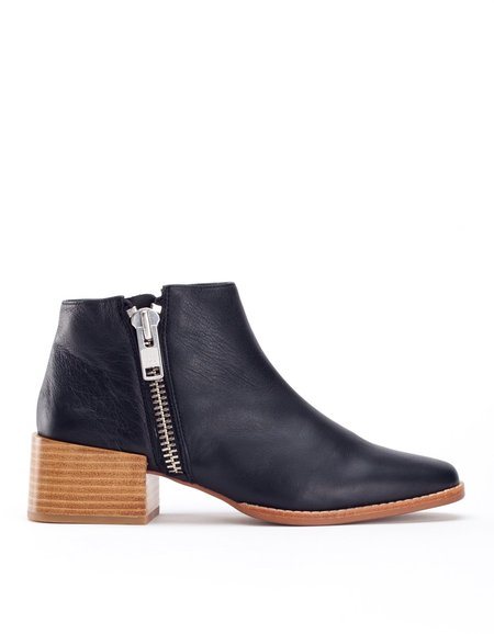 Sol Sana Louis Boot Black