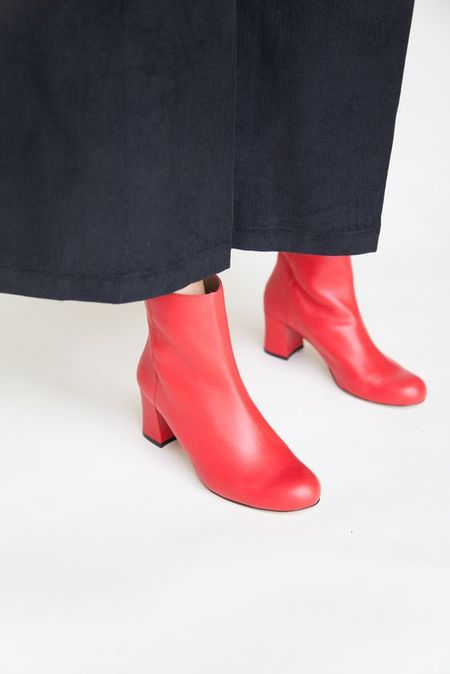 About Arianne Milo Boots - Red
