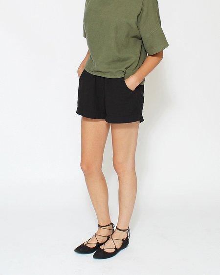 Me & Arrow Slub Cotton Shorts in Black