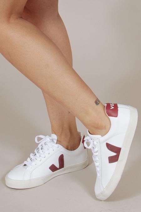 Veja Esplar Sneaker in Marsala/White