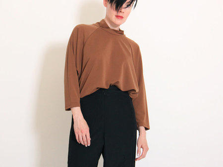 Eve Gravel Teak Top - Caramel