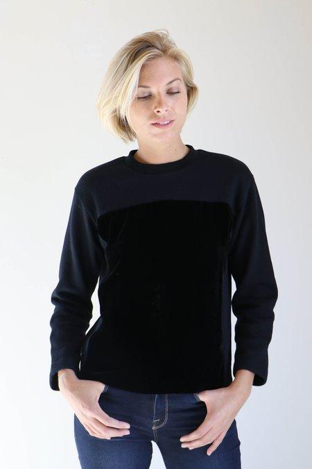 Correll Correll Velvet Square Sweatshirt in Black