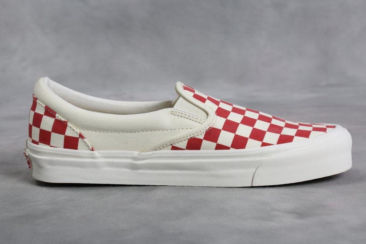 vans vault og slip on red checkerboard