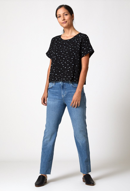 North Of West Arches Crop Tee - Black