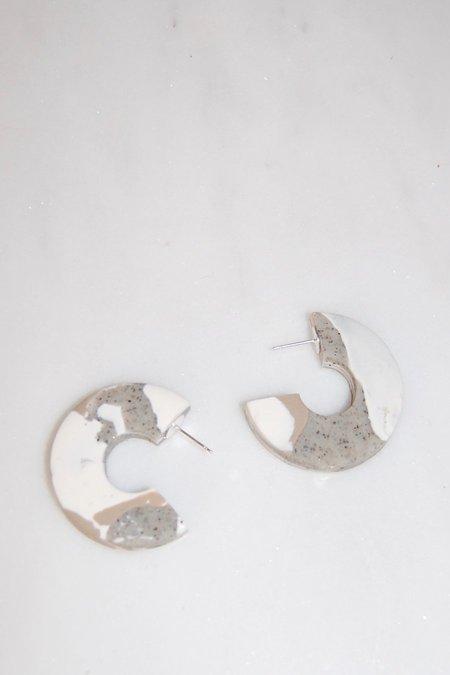 Elise Ballegeer Aylin Earrings - Sand Dune Marble