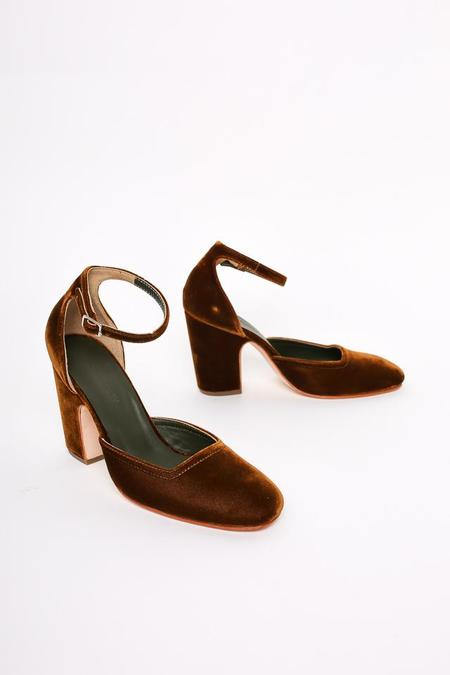 Rachel Comey Bali Closed Toe Pump in Ginger