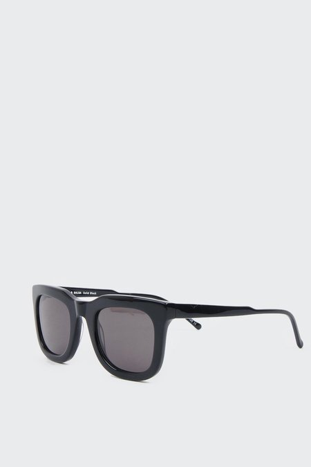Kaibosh Chips & Salsa Sunglasses - solid black