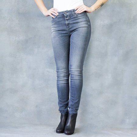 Closed Lizzy Skinny High Waisted Jeans in Smoky Black