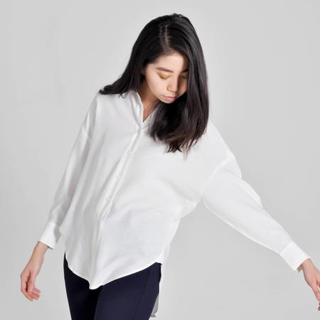 7115 by Szeki Dolman Shirt - White