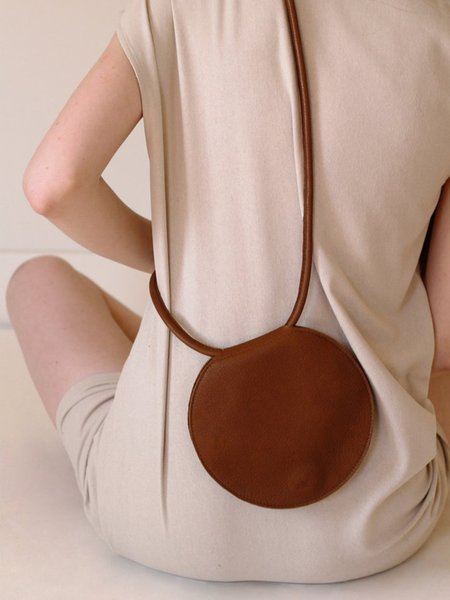 ARE Studio DISC POUCH - COFFEE LEATHER