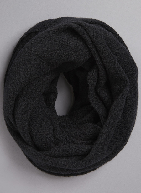 Unisex Grei. Cashmere Blend Moss Stitch Circular Scarf - Black